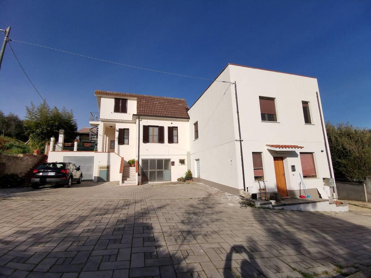 Casa indipendente in vendita in Via Anelli Fieramosca zona S. Anna - Sacro Cuore a Chieti - 7880231 foto 1