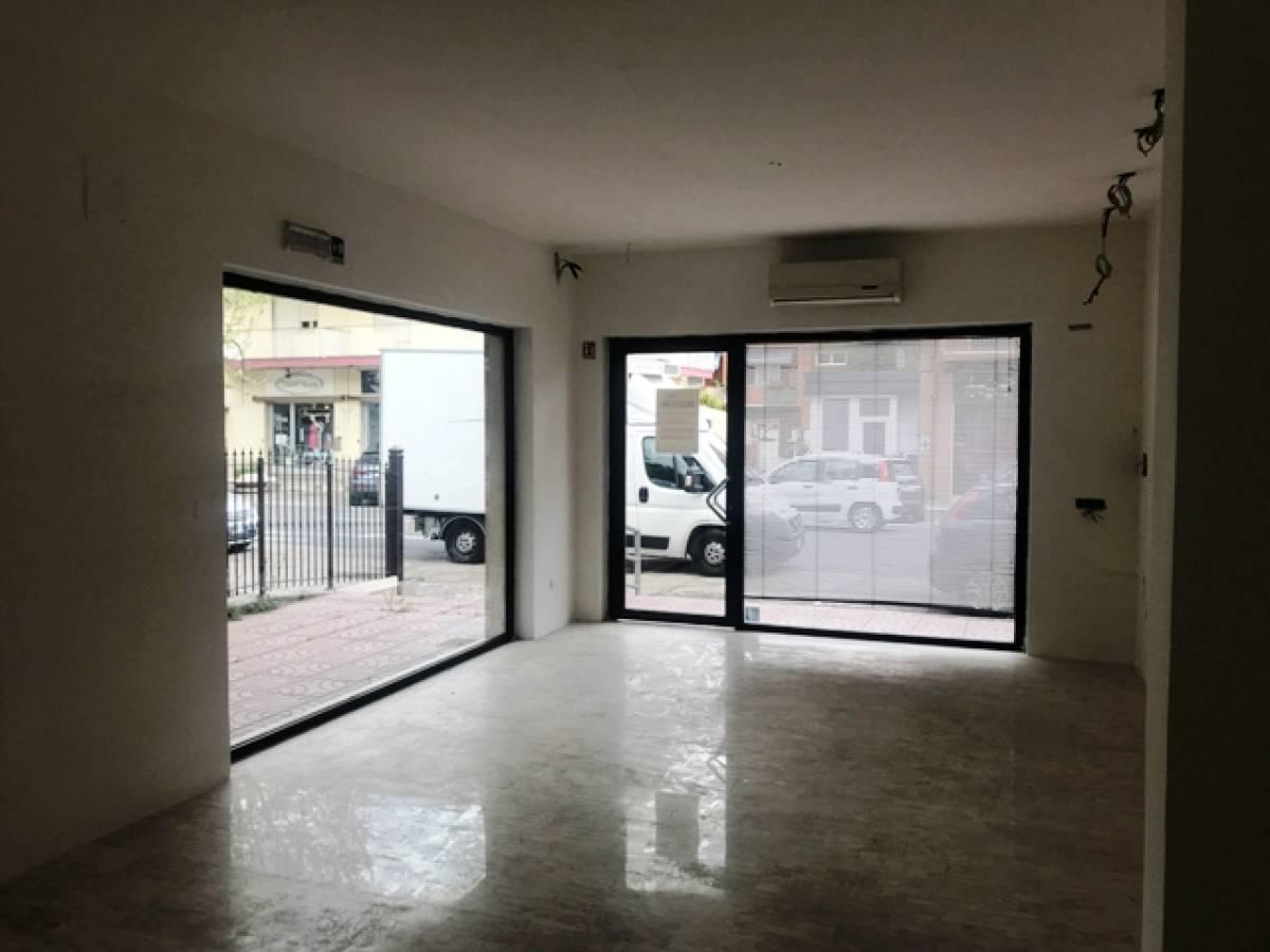 Negozio o Locale in affitto in Via Tiburtina,11 zona Sambuceto Centro a San Giovanni Teatino - 4266225 foto 3