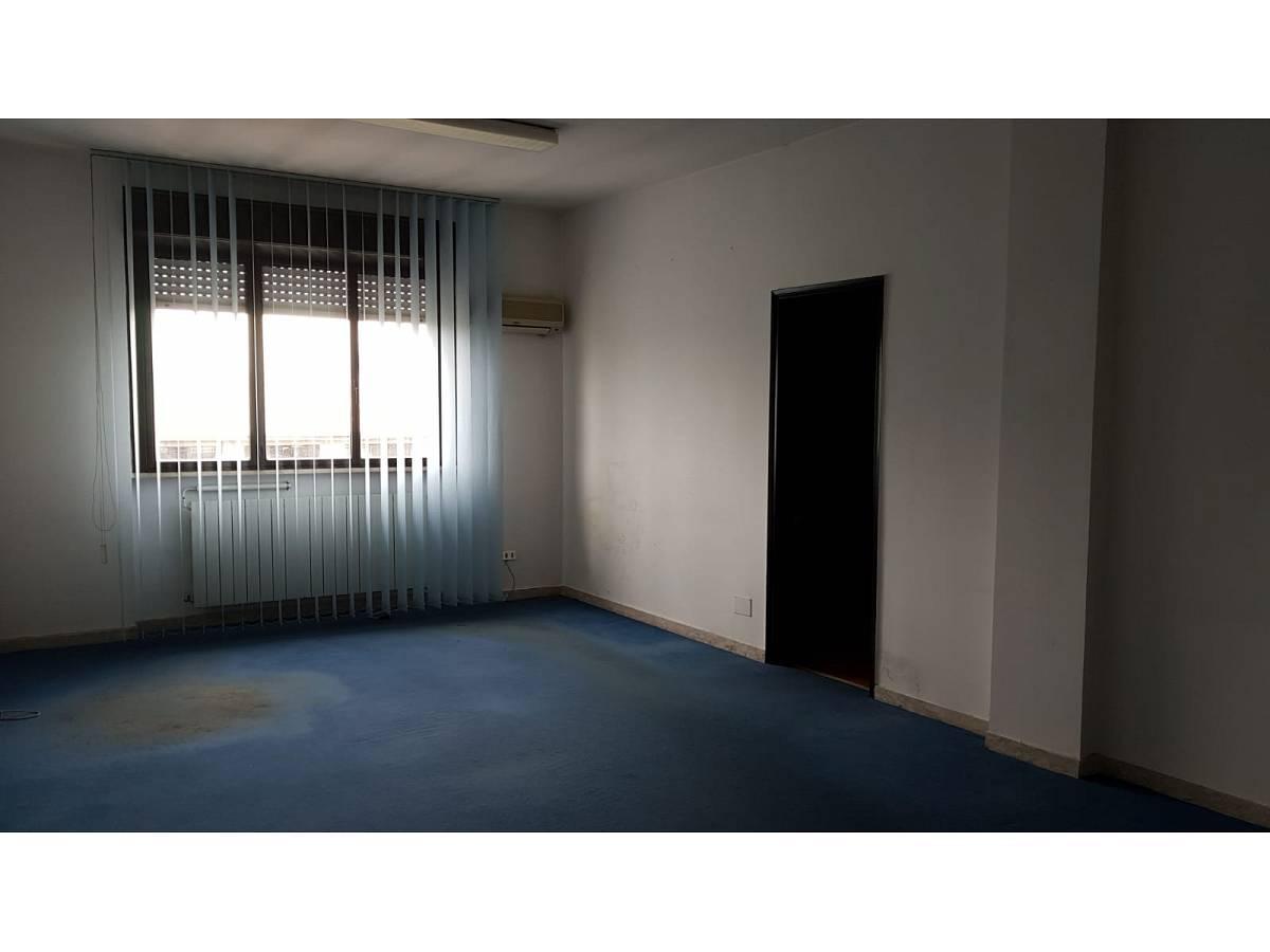 Ufficio in affitto in V.le Benedetto Croce zona Scalo Stazione-Centro a Chieti - 6321835 foto 2
