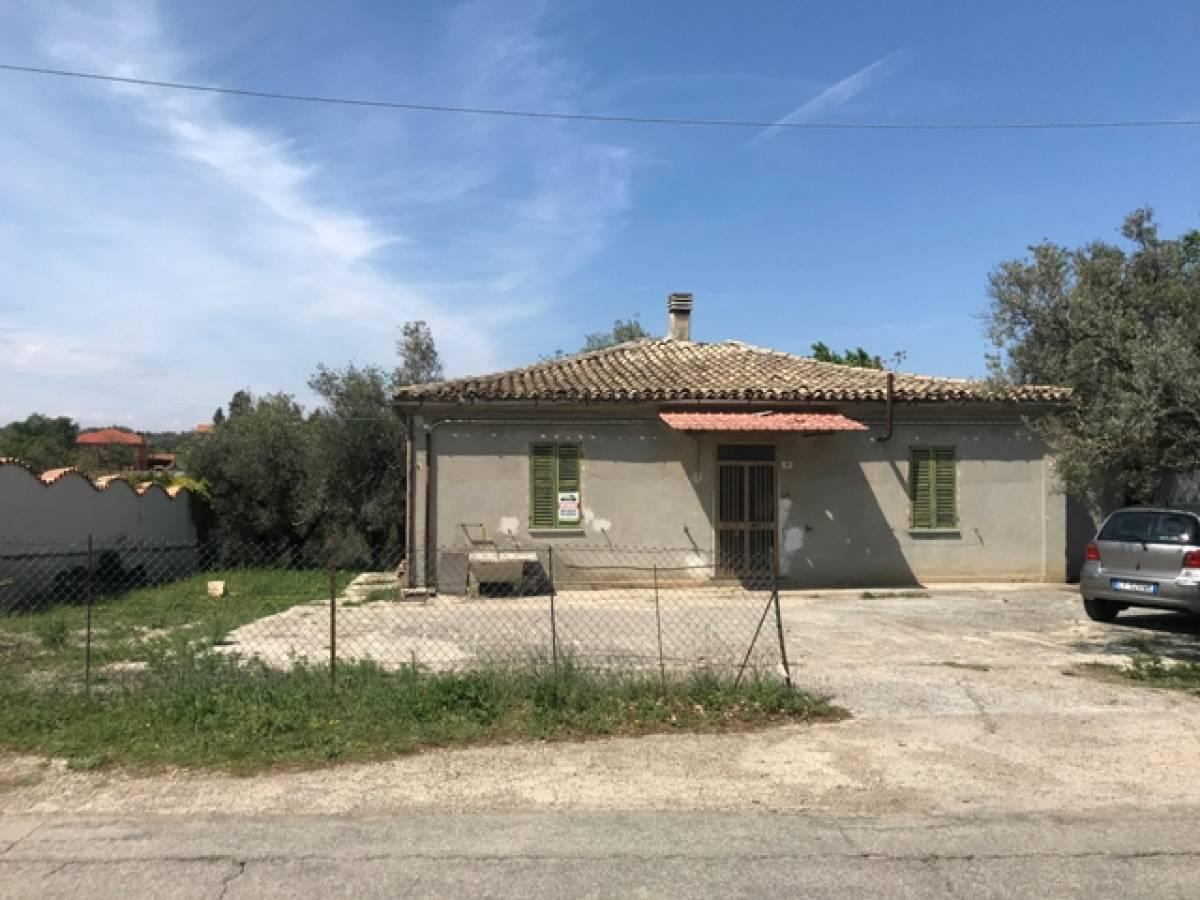 Casa indipendente in vendita in Via Dei Frentani zona Tricalle a Chieti - 5917226 foto 1