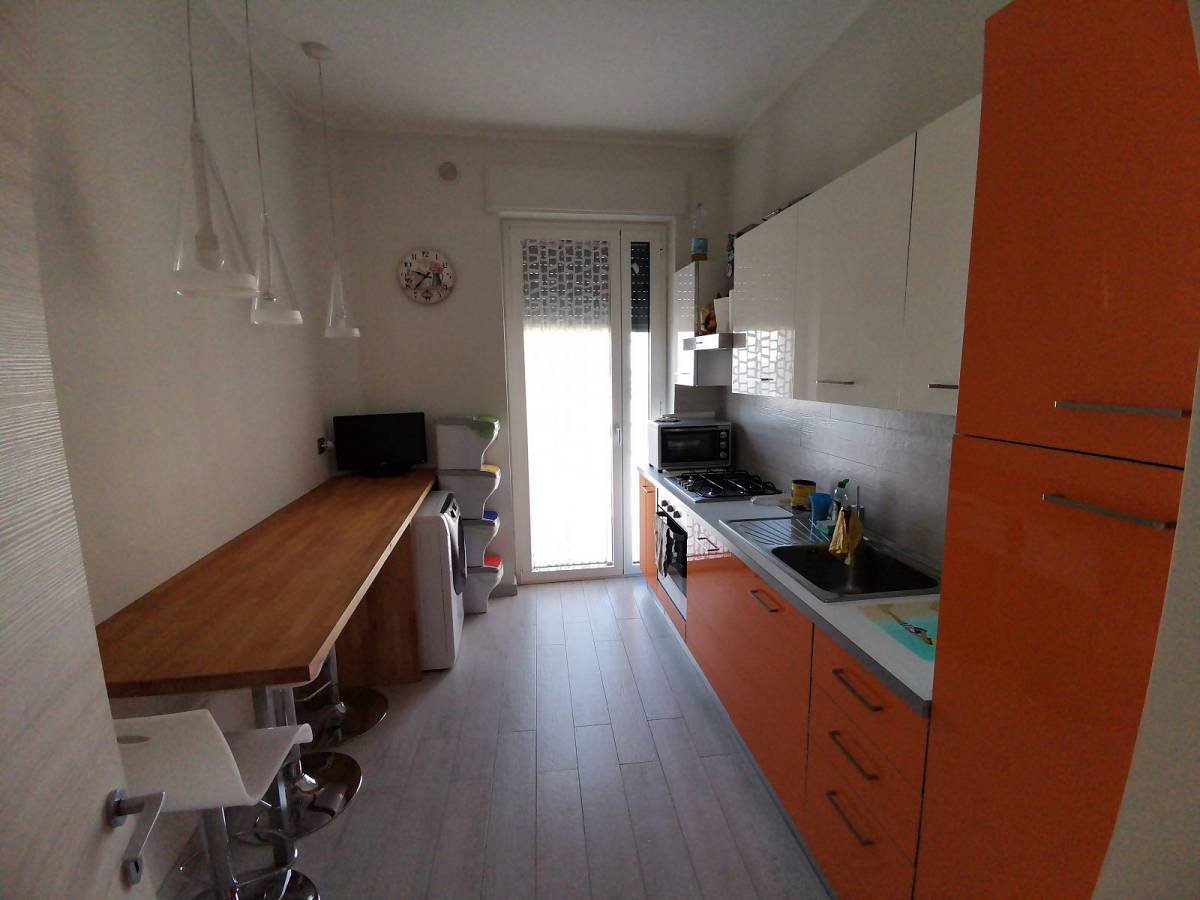 Appartamento in vendita in Viale Europa zona Villa - Borgo Marfisi a Chieti - 2608920 foto 2