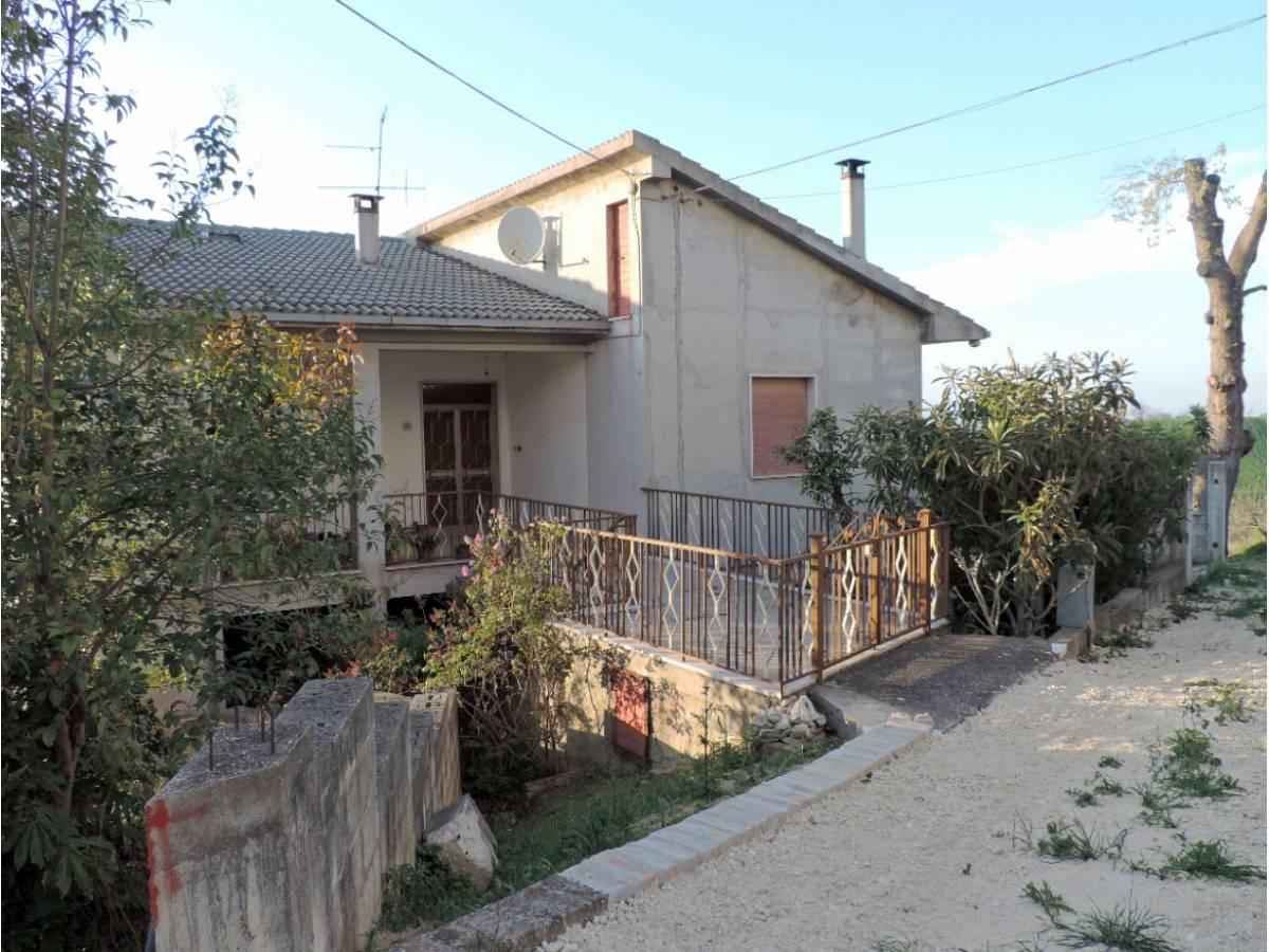 Casa indipendente in vendita in VIA COPPELLI  a Casalincontrada - 5362105 foto 1