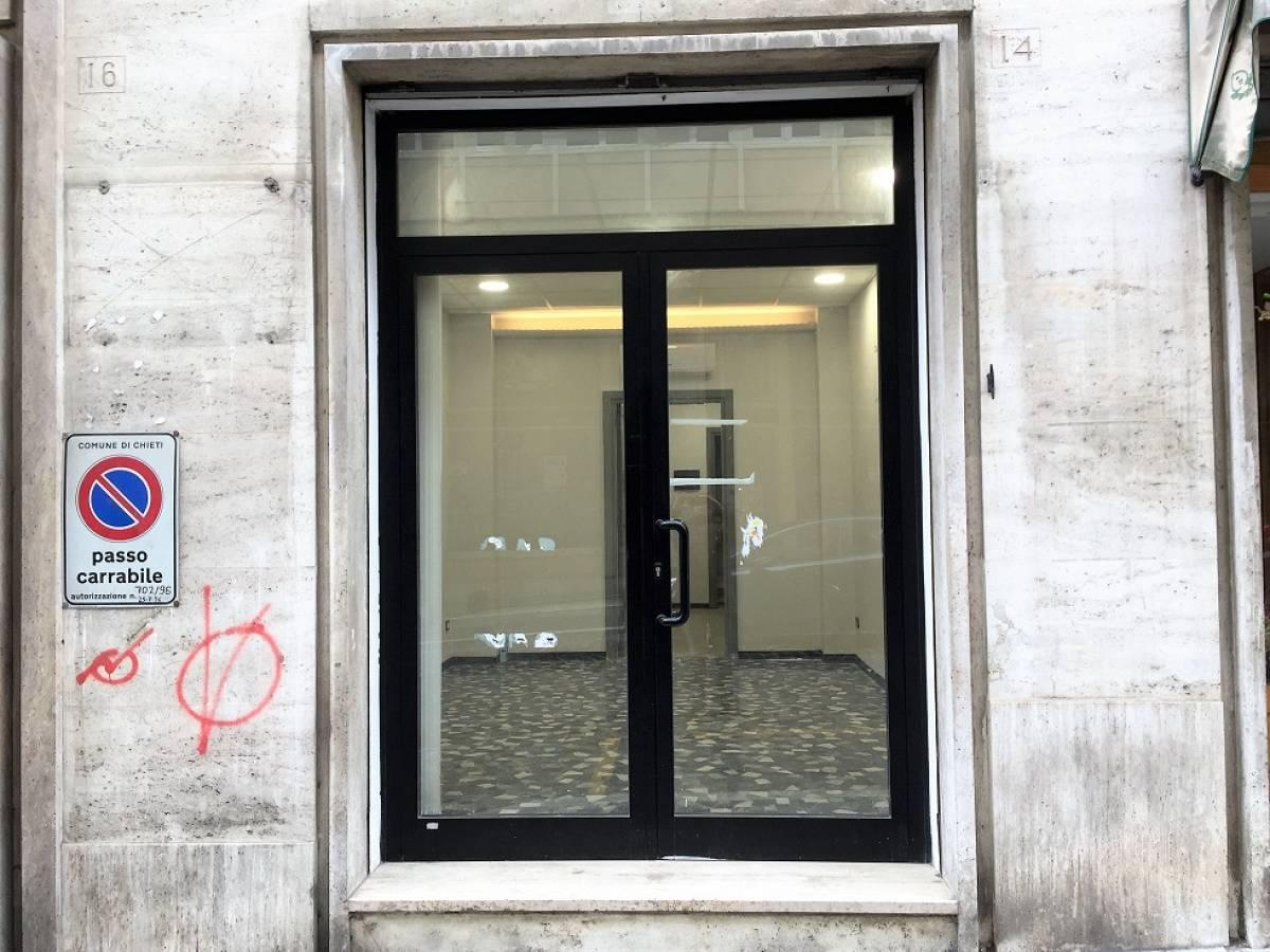 Negozio o Locale in affitto in via silvio spaventa zona C.so Marrucino - Civitella a Chieti - 2278749 foto 1