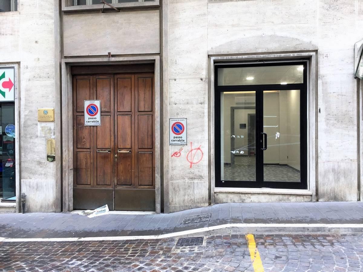 Negozio o Locale in affitto in via silvio spaventa zona C.so Marrucino - Civitella a Chieti - 2278749 foto 2