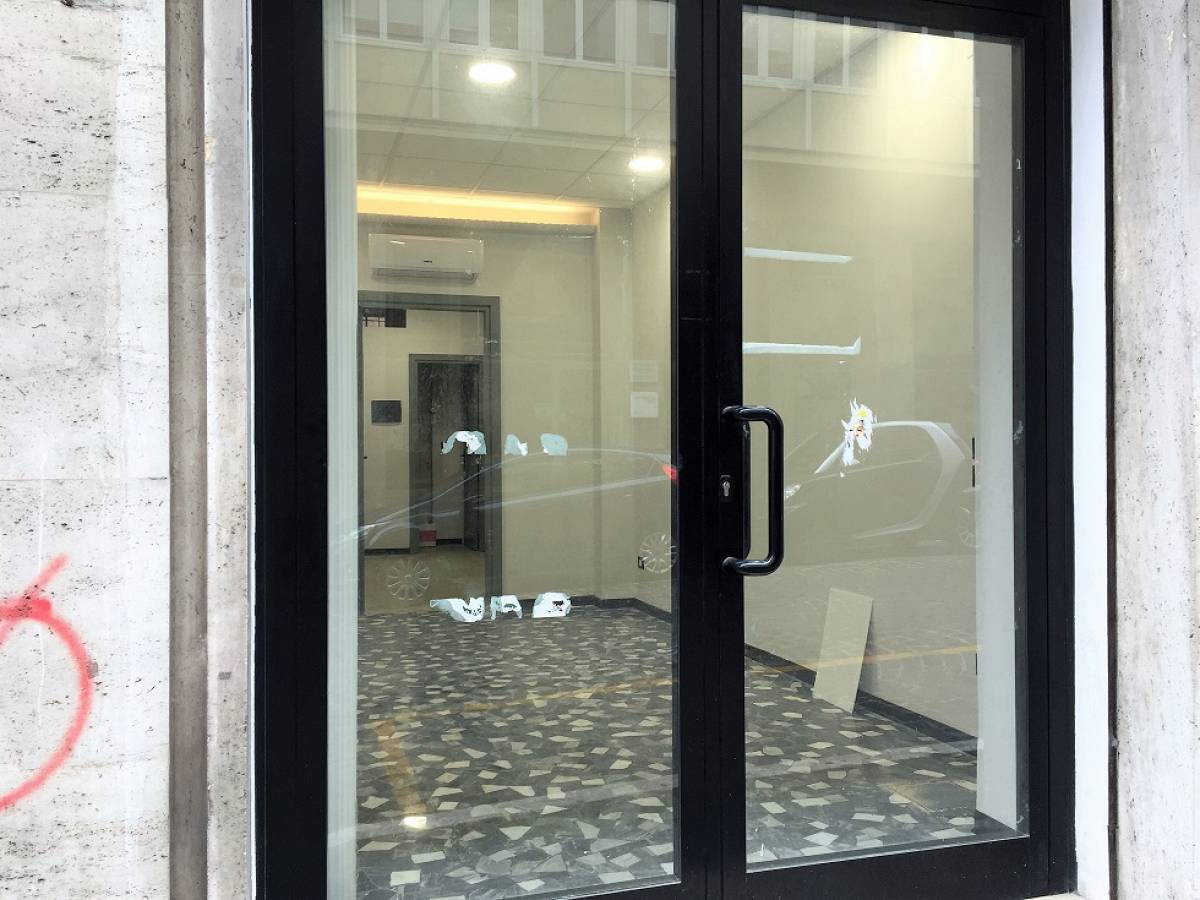Negozio o Locale in affitto in via silvio spaventa zona C.so Marrucino - Civitella a Chieti - 2278749 foto 4