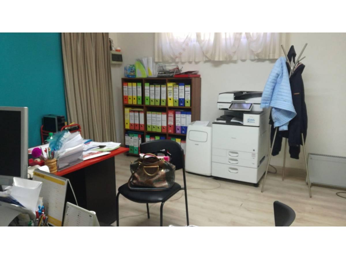 Negozio o Locale in affitto in VIA PESCARA zona Scalo Mad. Piane - Universita a Chieti - 1031379 foto 2