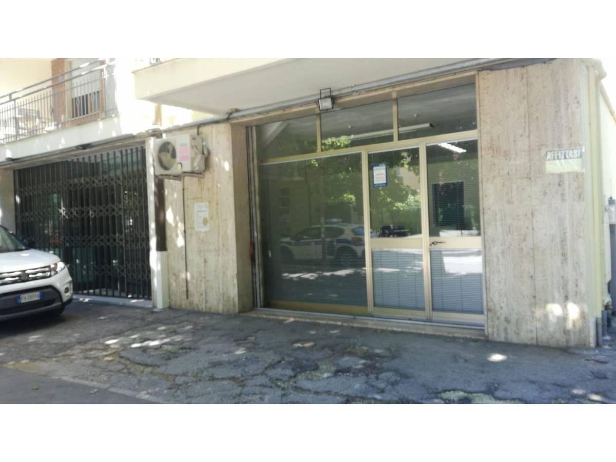 Negozio o Locale in affitto in VIA PESCARA zona Scalo Mad. Piane - Universita a Chieti - 1031379 foto 5
