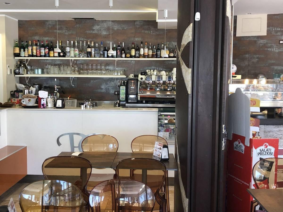 Bar in vendita in Via Del Mare, 258  a San Benedetto del Tronto - 7798658 foto 16
