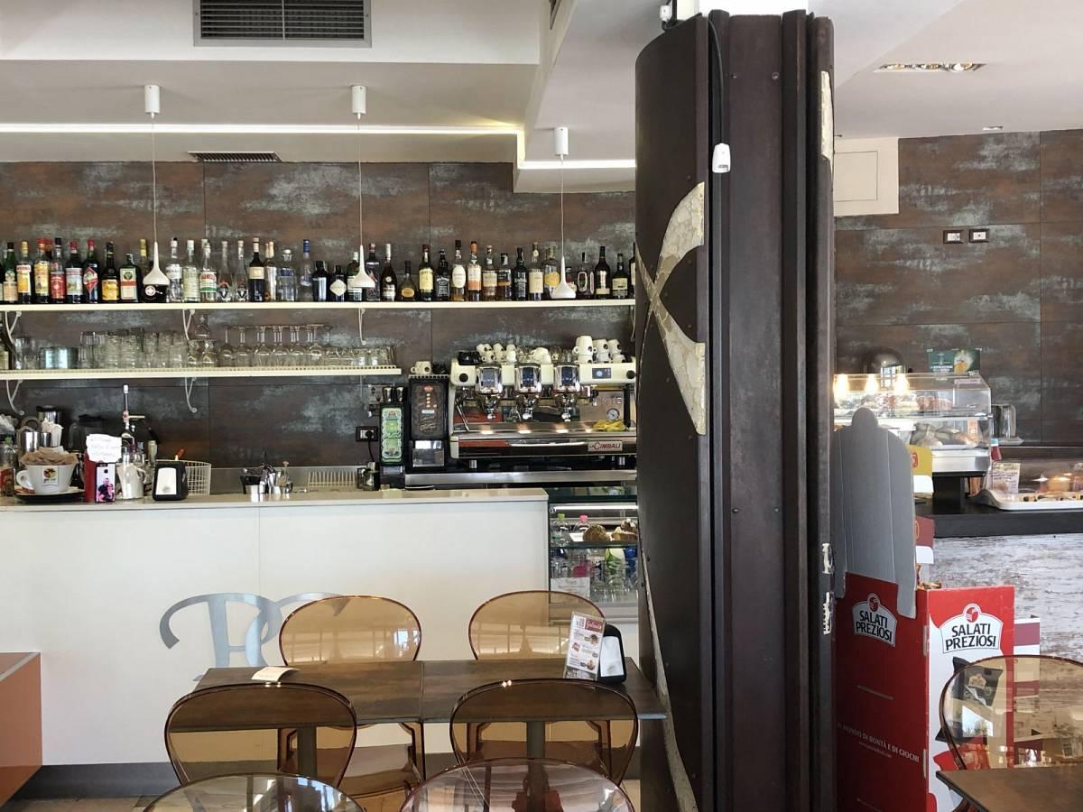 Bar in vendita in Via Del Mare, 258  a San Benedetto del Tronto - 7798658 foto 18