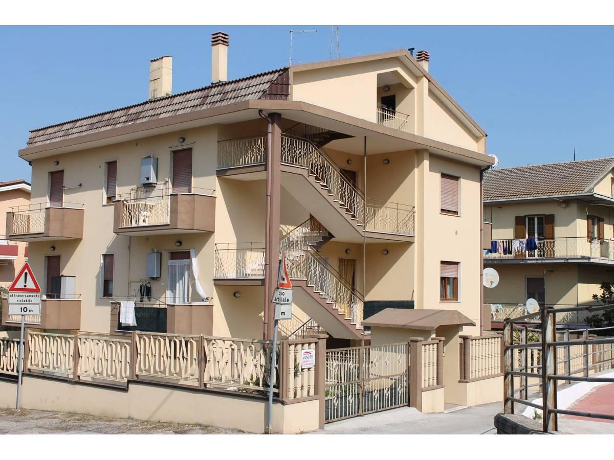 Appartamento in vendita in VIA CARDUCCI  a Cappelle sul Tavo - 599670 foto 1