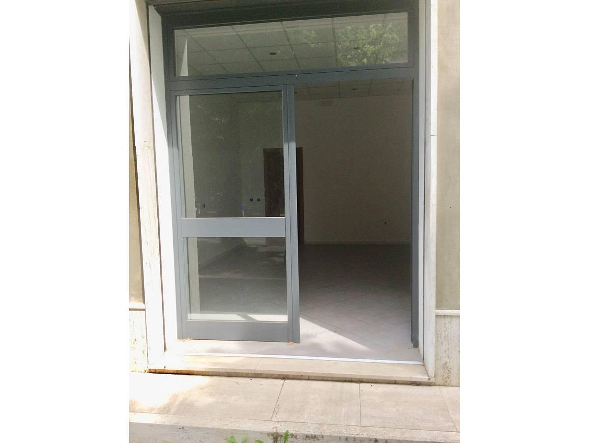 Negozio o Locale in vendita in VIALE BENEDETTO CROCE zona Scalo Mad. Piane - Universita a Chieti - 3933472 foto 2