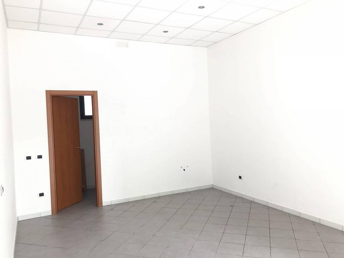 Negozio o Locale in vendita in VIALE BENEDETTO CROCE zona Scalo Mad. Piane - Universita a Chieti - 3933472 foto 7