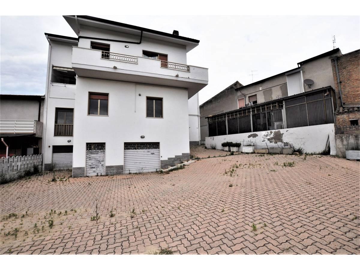 Stabile o Palazzo in vendita in via De Pasquale Giuseppe  a Spoltore - 3222859 foto 2