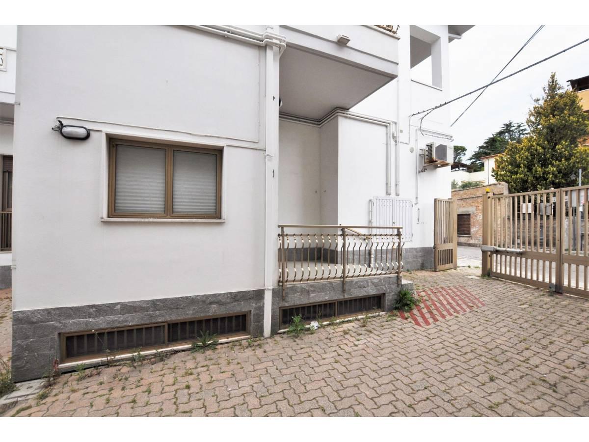 Stabile o Palazzo in vendita in via De Pasquale Giuseppe  a Spoltore - 3222859 foto 4