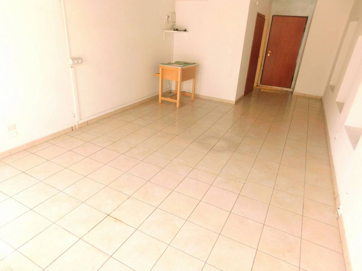 Negozio o Locale in affitto in Via Nazionale Adriatica 26  a Francavilla al Mare - 5031925 foto 4