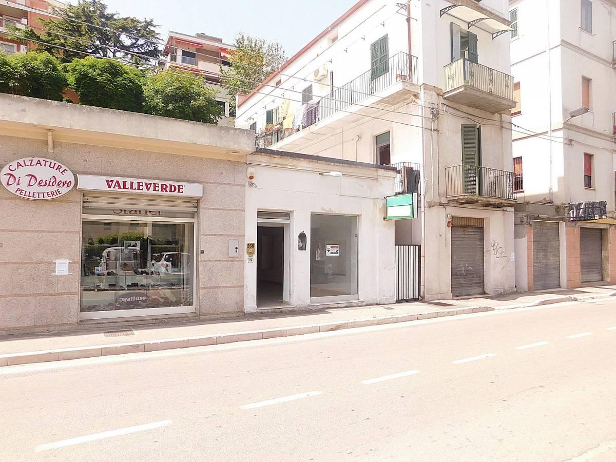 Negozio o Locale in affitto in Via Nazionale Adriatica 26  a Francavilla al Mare - 5031925 foto 10