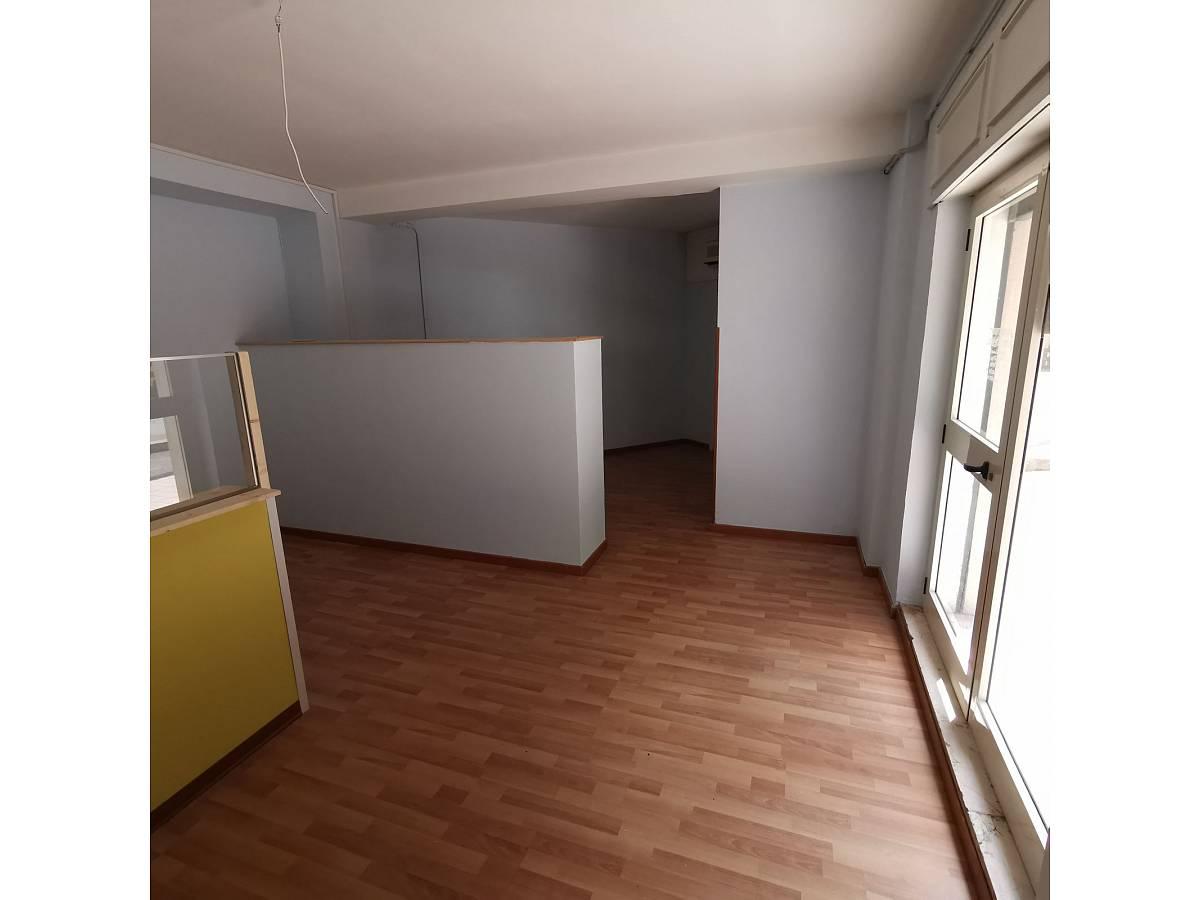 Negozio o Locale in affitto in Via Brigata Maiella    a Chieti - 2119321 foto 3