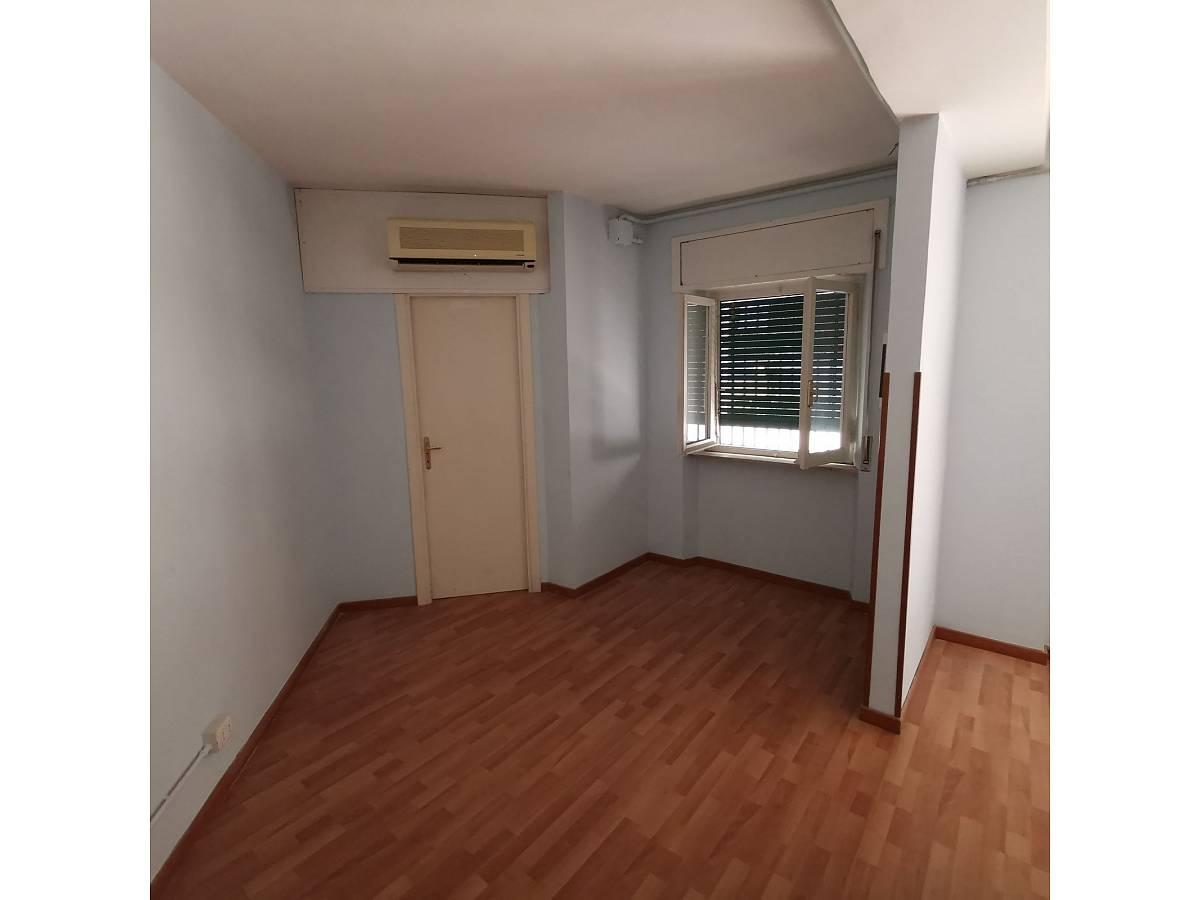 Negozio o Locale in affitto in Via Brigata Maiella    a Chieti - 2119321 foto 5