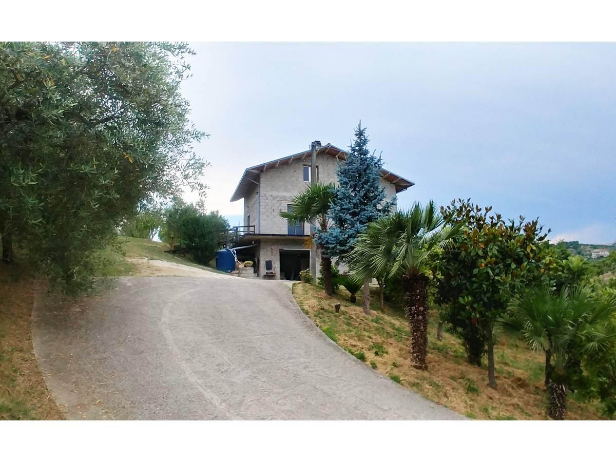 Casa indipendente in vendita in Contrada Feudo  a Bucchianico - 8839445 foto 1