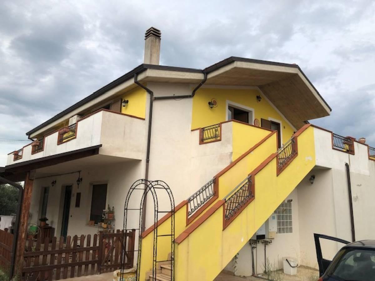 Porzione di Villa in vendita in contrada vicenne  a Pianella - 3530133 foto 1