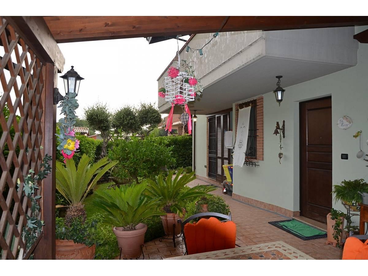 Villa bifamiliare in vendita in via delle more  a Città Sant'Angelo - 4024897 foto 4