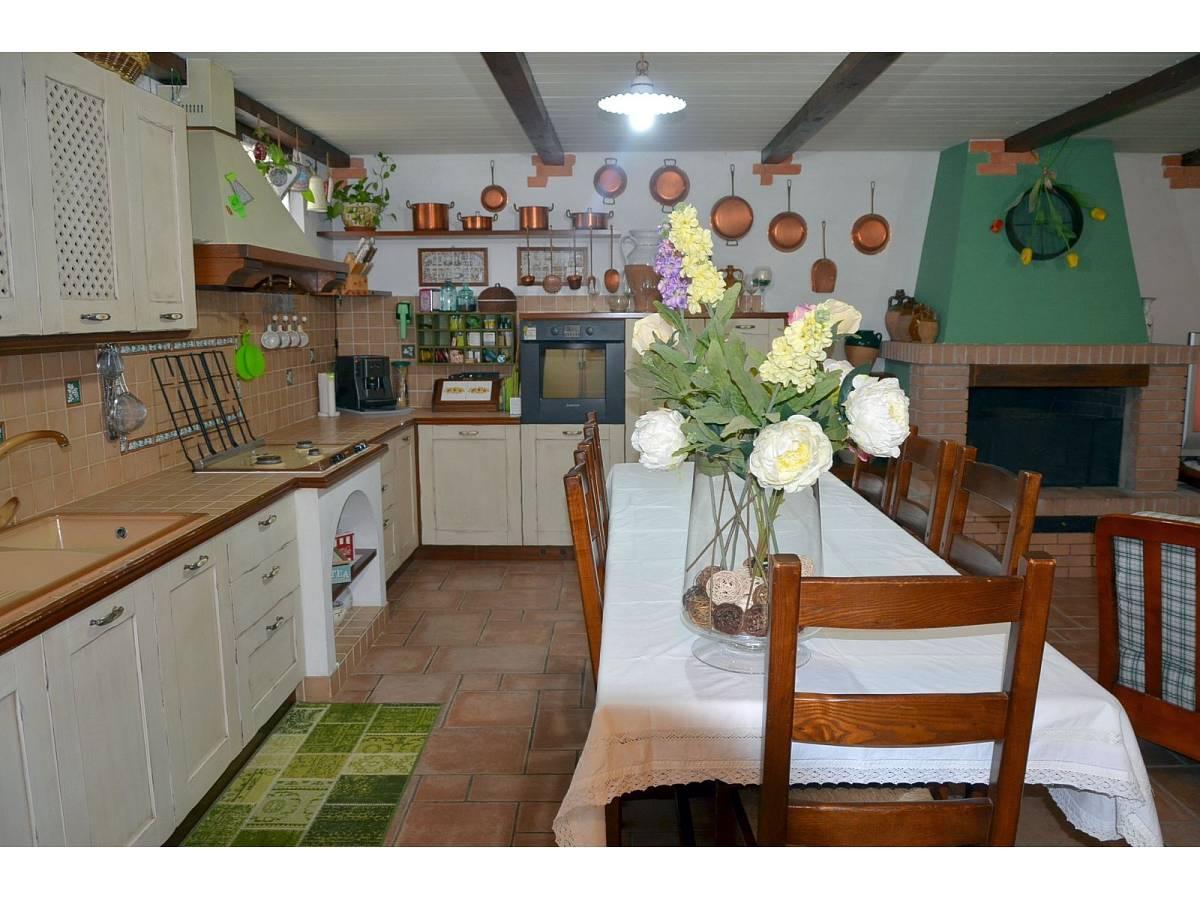 Villa bifamiliare in vendita in via delle more  a Città Sant'Angelo - 4024897 foto 8