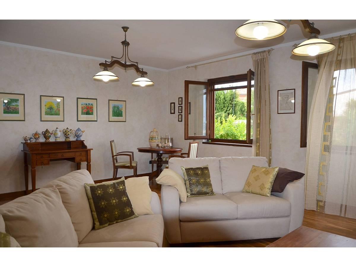 Villa bifamiliare in vendita in via delle more  a Città Sant'Angelo - 4024897 foto 14