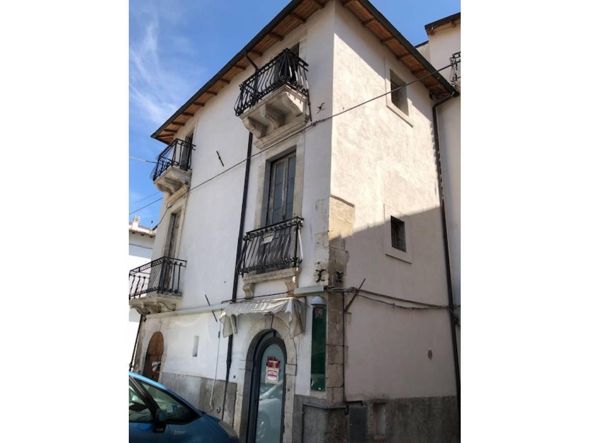 Stabile o Palazzo in vendita in centro storico  a Sulmona - 5540984 foto 2