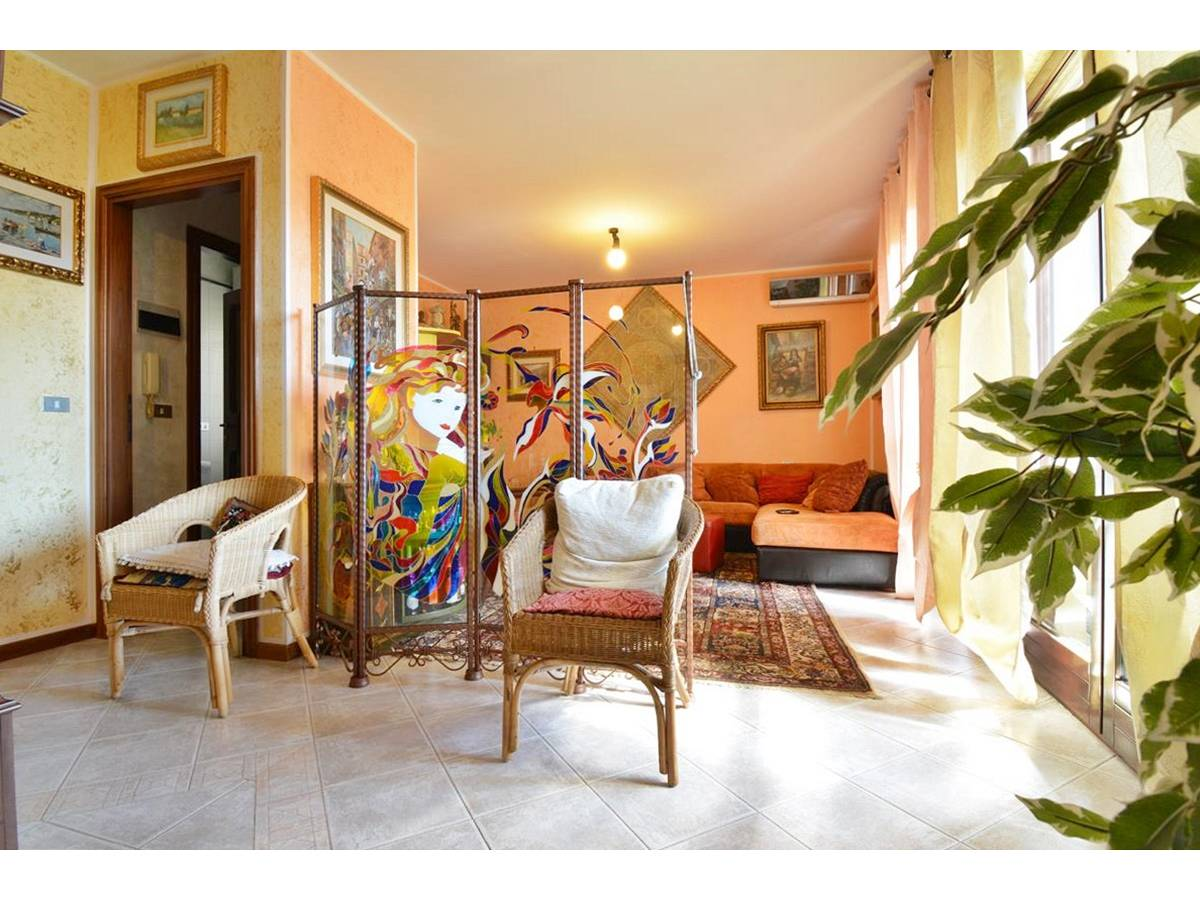 Appartamento in vendita in Via Vincenzo Cilli 30  a Città Sant'Angelo - 5461422 foto 2