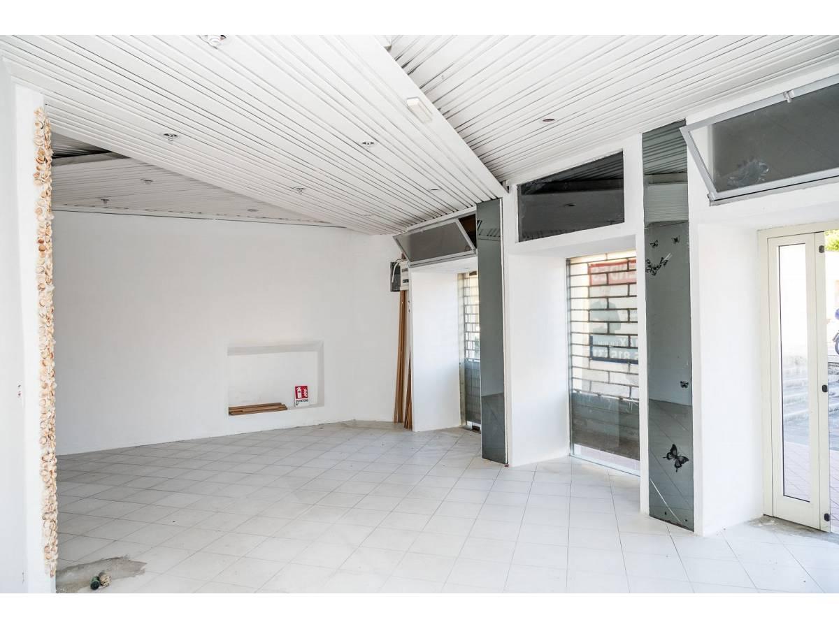 Negozio o Locale in vendita in Via Duca degli Abruzzi 220  a Francavilla al Mare - 1623565 foto 4
