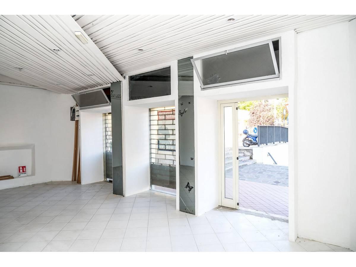 Negozio o Locale in vendita in Via Duca degli Abruzzi 220  a Francavilla al Mare - 1623565 foto 5