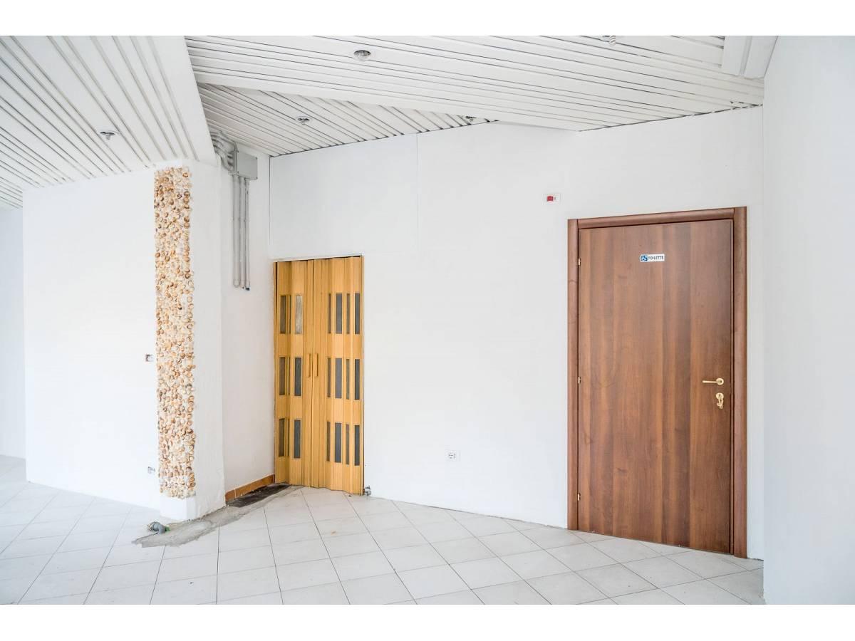 Negozio o Locale in vendita in Via Duca degli Abruzzi 220  a Francavilla al Mare - 1623565 foto 9
