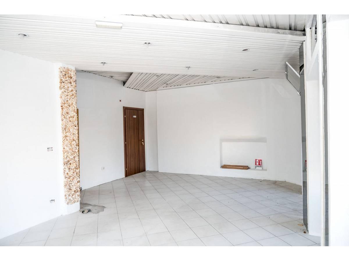 Negozio o Locale in vendita in Via Duca degli Abruzzi 220  a Francavilla al Mare - 1623565 foto 10