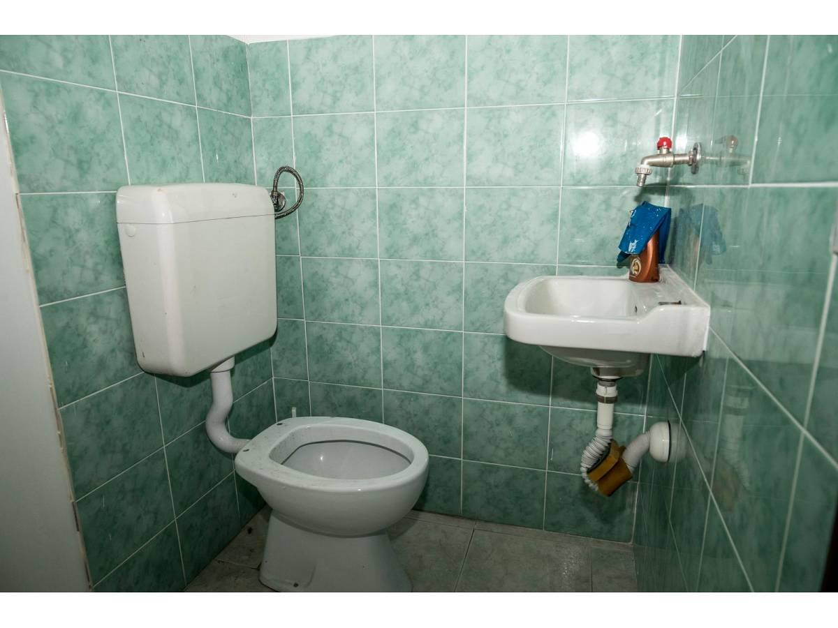 Negozio o Locale in vendita in Via Duca degli Abruzzi 220  a Francavilla al Mare - 1623565 foto 11