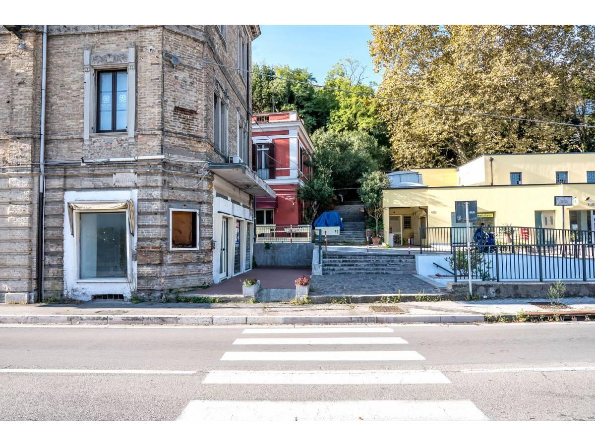 Negozio o Locale in vendita in Via Duca degli Abruzzi 220  a Francavilla al Mare - 1623565 foto 20