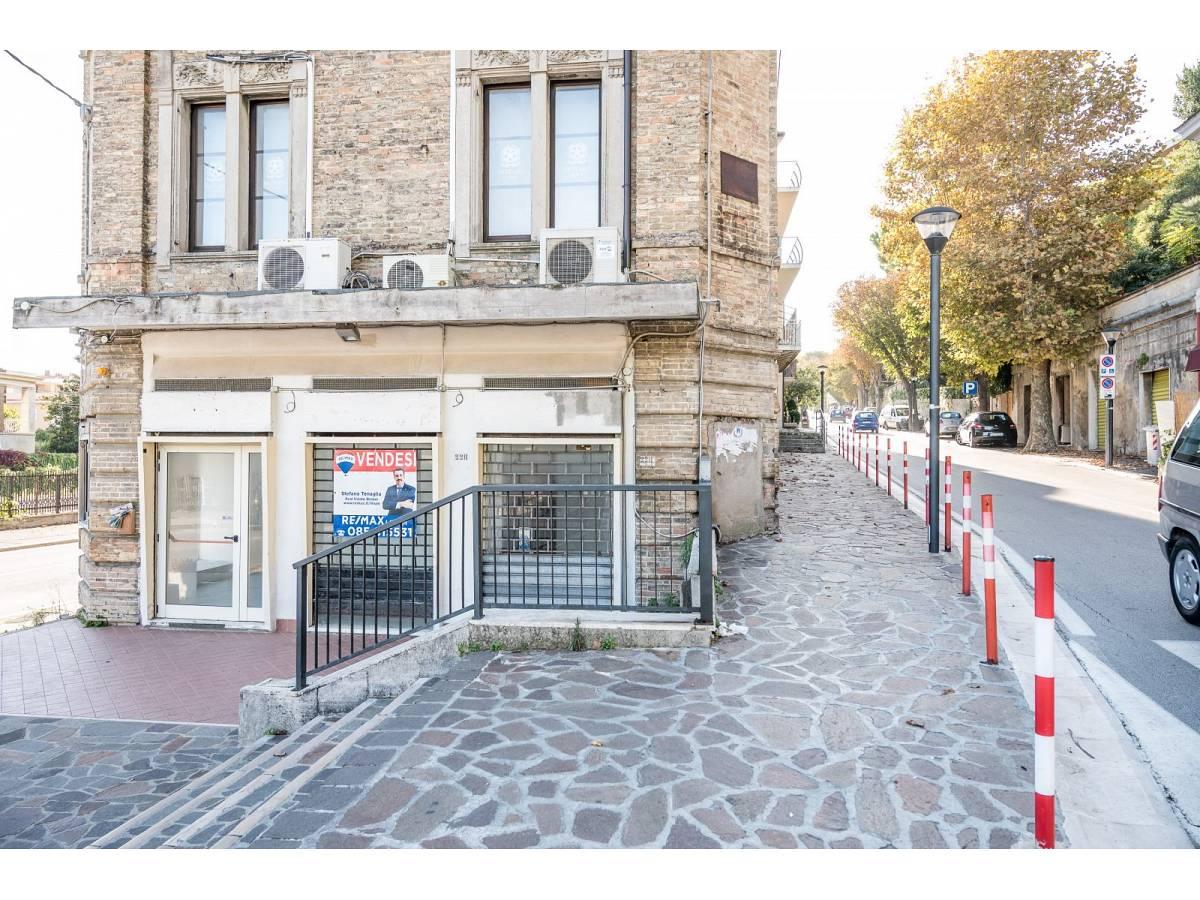 Negozio o Locale in vendita in Via Duca degli Abruzzi 220  a Francavilla al Mare - 1623565 foto 22