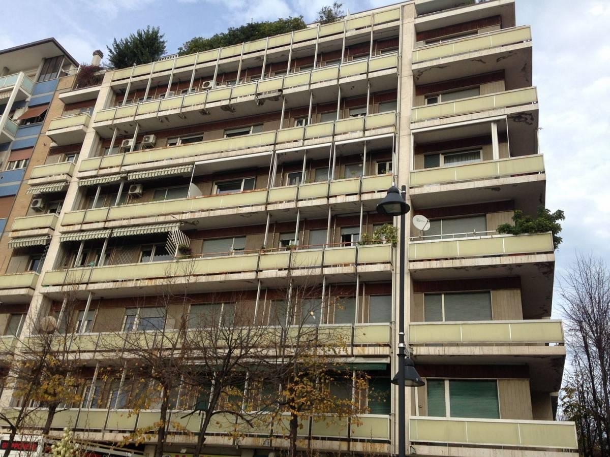 Appartamento in vendita in Viale Edmondo De Amicis  zona Centro a Pescara - 2506862 foto 1