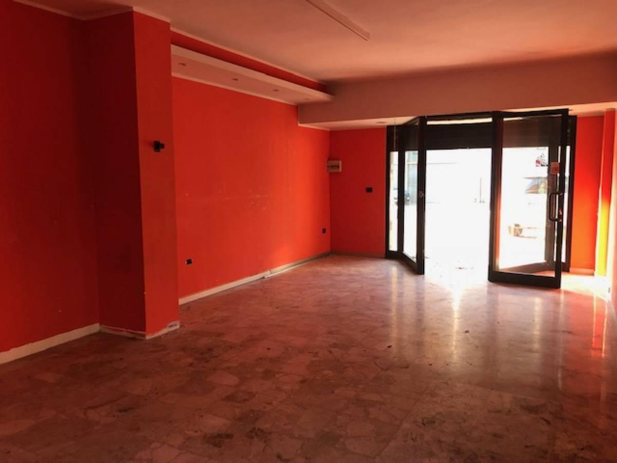 Negozio o Locale in vendita in via dei Frentani zona Tricalle a Chieti - 4441260 foto 1
