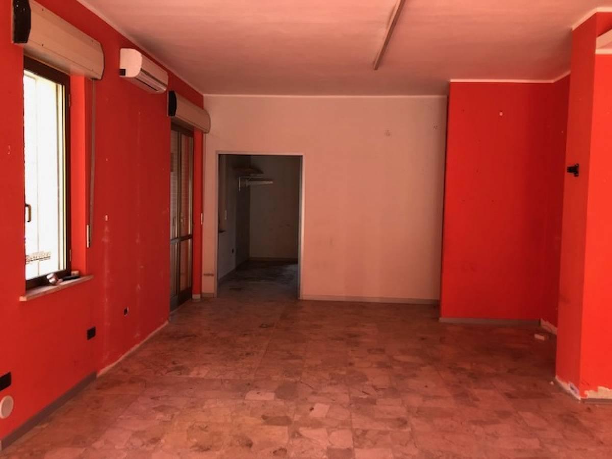 Negozio o Locale in vendita in via dei Frentani zona Tricalle a Chieti - 4441260 foto 2