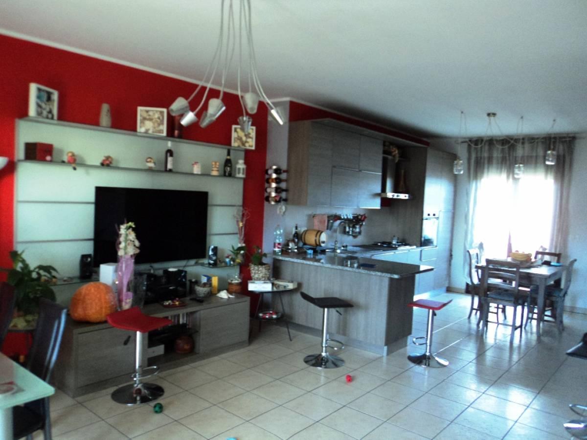 Appartamento in vendita in Via Pignatelli  a Cepagatti - 2045817 foto 1