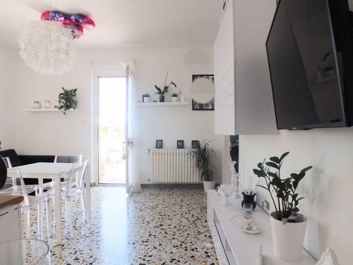 Casa indipendente in vendita in Via Circonvallazione  a Lettomanoppello - 2157227 foto 3