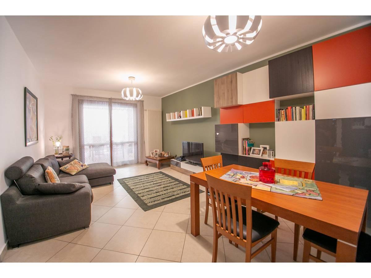 Appartamento in vendita in Via Monte Bracciano  a Montesilvano - 5679661 foto 2