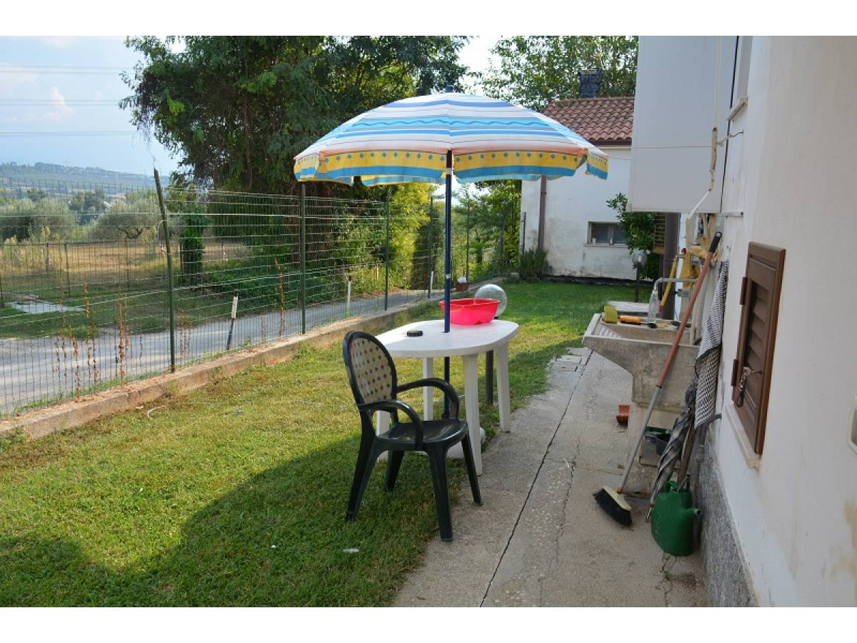 Casa indipendente in vendita in Via Giovanna D'Arco 27  a Cepagatti - 2910578 foto 5