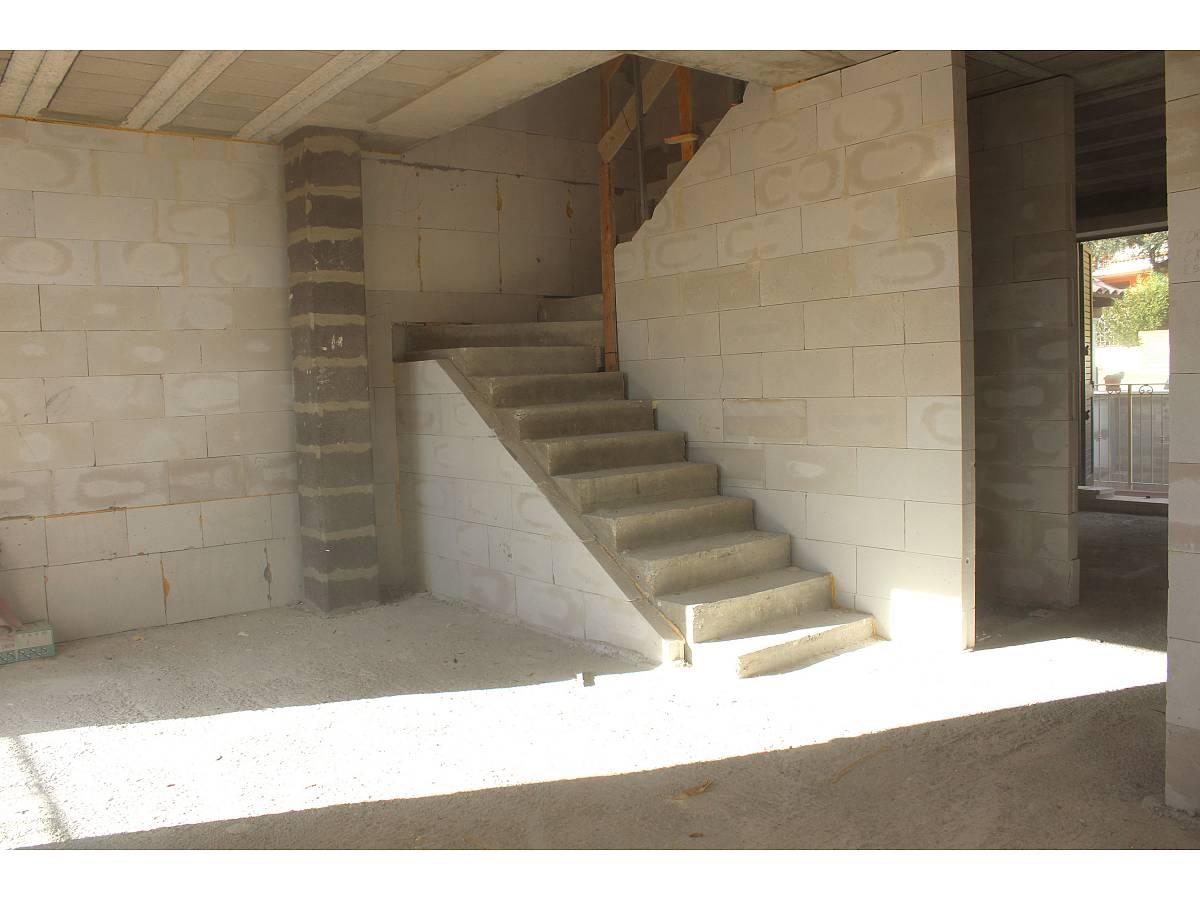 Villa a schiera in vendita in Via E. Berlinquer 26  a Loreto Aprutino - 3029384 foto 6