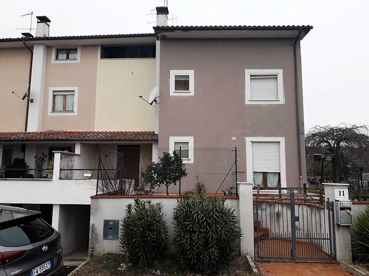 Villa a schiera in vendita in via pietro nenni  a Bellante - 2488525 foto 2