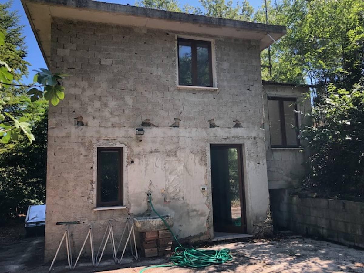 Casa indipendente in vendita in strada Peschiera zona S. Barbara a Chieti - 3098594 foto 10