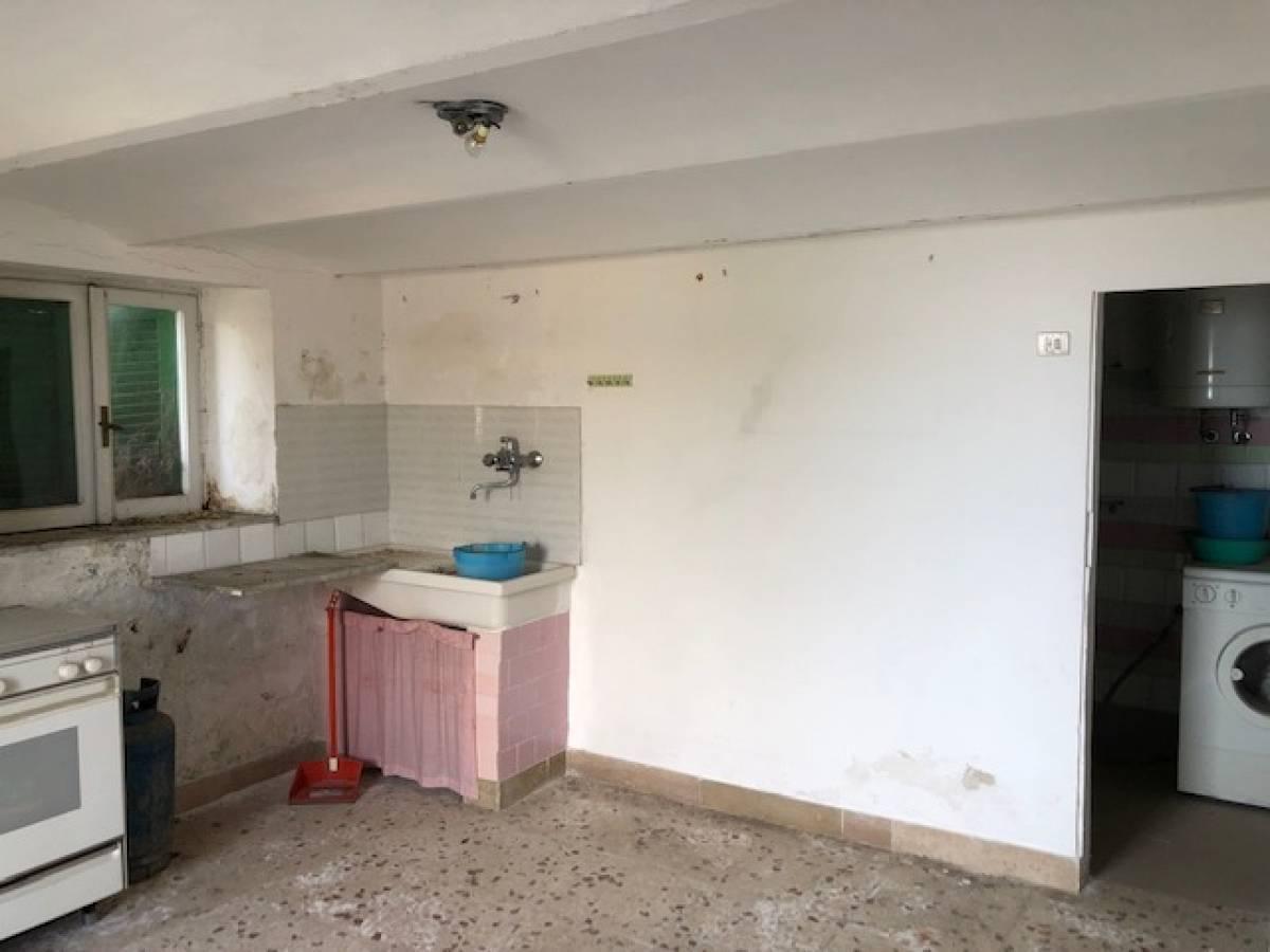 Casa indipendente in vendita in via Nicolodi zona Porta Pescara - V. Olivieri a Chieti - 8702712 foto 10