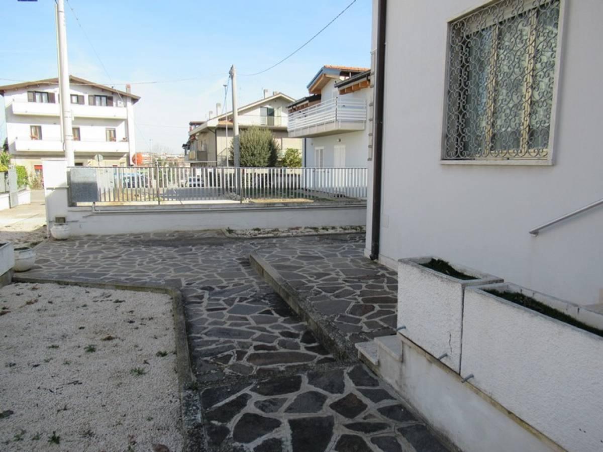 Casa indipendente in vendita in VIA ITALIA  a Spoltore - 9709615 foto 1