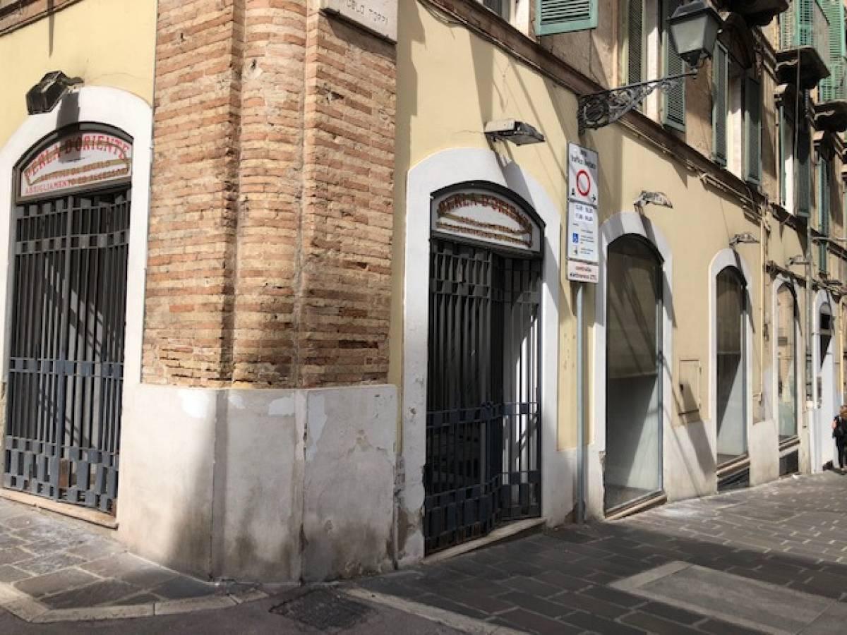 Negozio o Locale in affitto in via Arniense zona C.so Marrucino - Civitella a Chieti - 8635118 foto 15