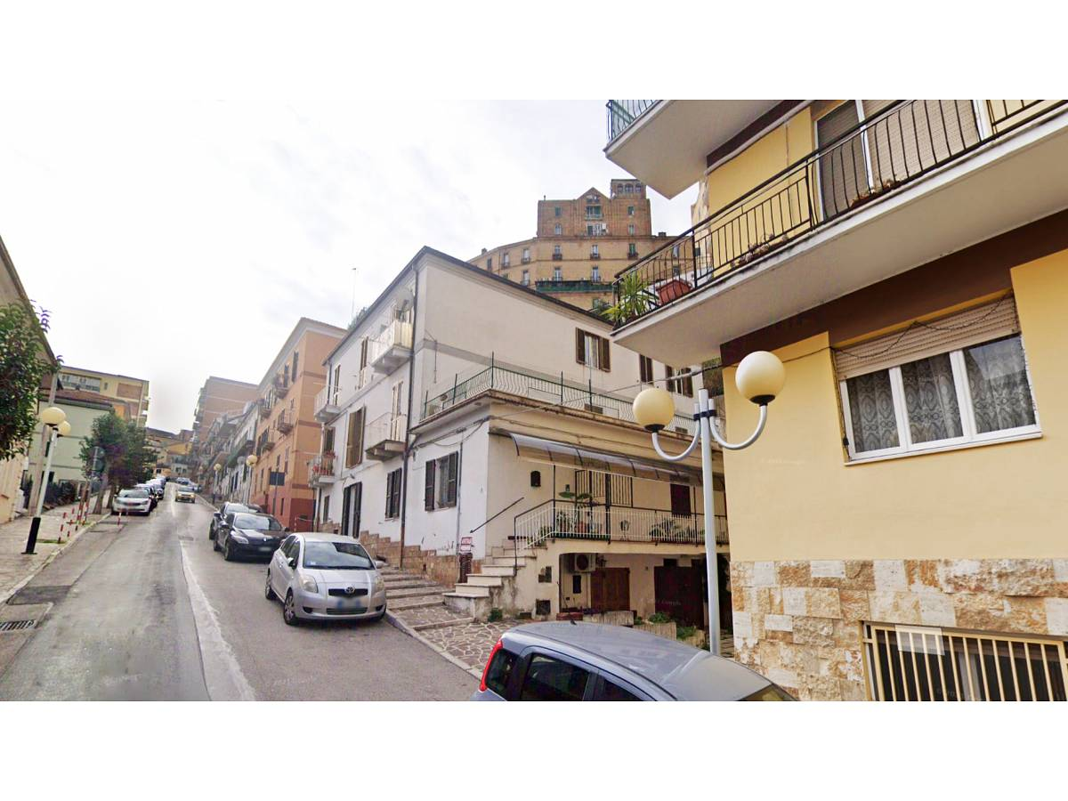 Appartamento in vendita in Via del Tricalle zona Porta Pescara - V. Olivieri a Chieti - 4278552 foto 1